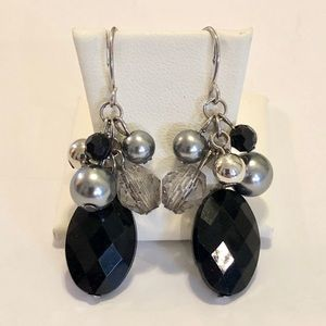 Jewelry - Dangle earrings